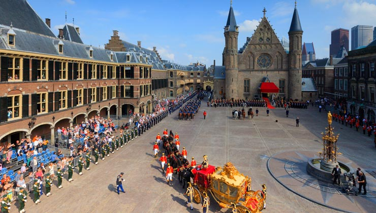 Royal carriage arriving on Binnenhof during Prinsjesdag in The Hague, Netherlands.