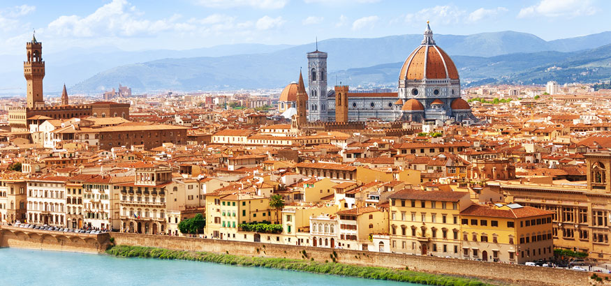 Florence cityscape with a view of Palazzo Vecchio, Cathedral of Santa Maria de Fiore, and Arno River.